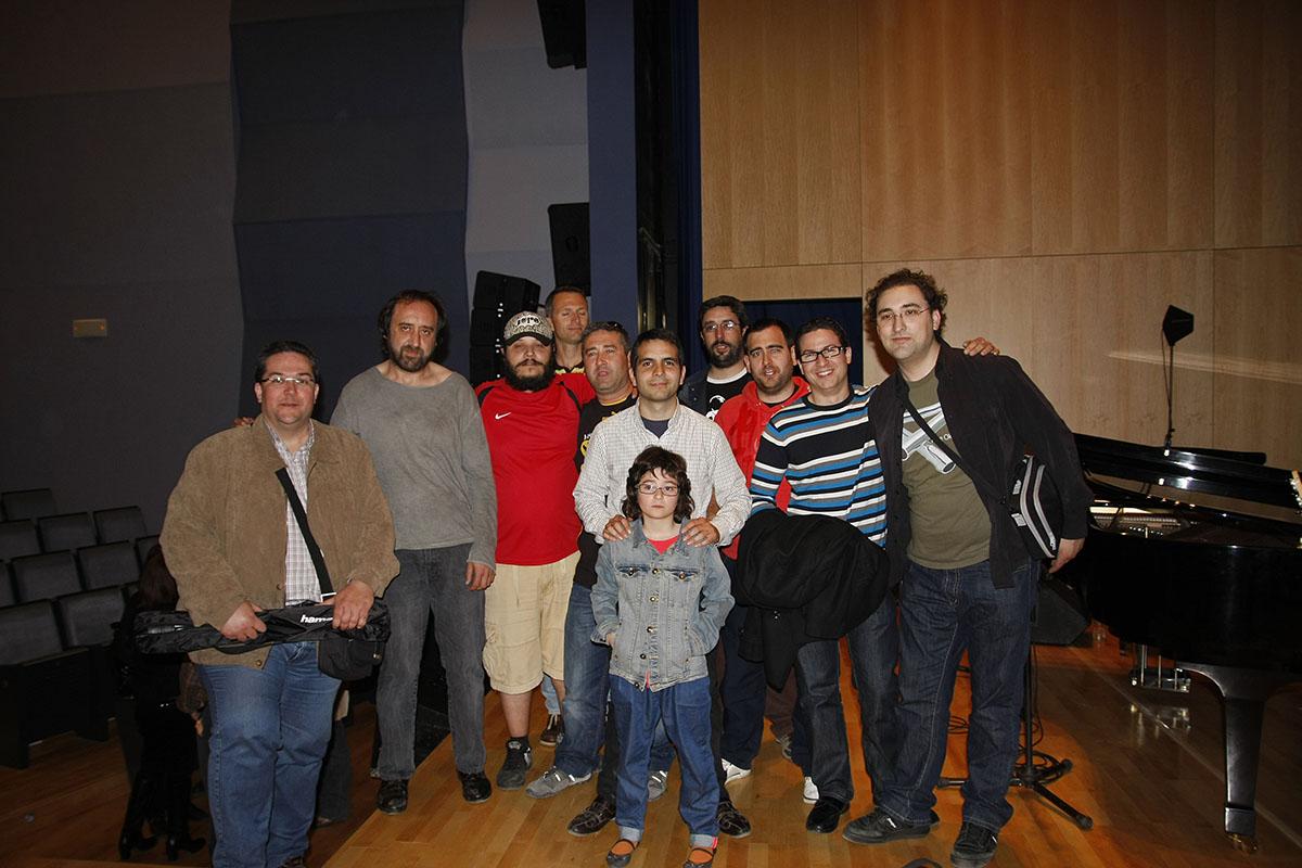 Foto Familia en el nuevo auditorio de Cox